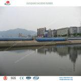 Água Self-Regulating represa de borracha enchida como a paisagem na cidade