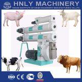 Alimentation des animaux à grande vitesse faisant la machine