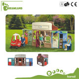 良質の子供のためのカスタマイズされた屋外のプレイハウスのおもちゃの木のプレイハウス