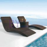 Salotto reso personale creativo di svago della spiaggia della presidenza esterna del rattan