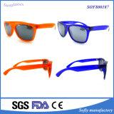 方法デザインフレームの方法Farerの新しく標準的な男女兼用の豪華で多彩なサングラスEyewear