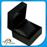 El cuero negro cubrió el conjunto de lujo grabado las persianas del caso de empaquetado de la joyería de la insignia