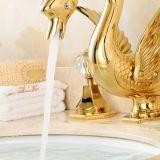 Robinet en laiton plaqué d'or de bassin de salle de bains de Soild