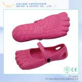 남녀 공통 귀여운 아이 EVA는 다채로운 아이 발 모양 방해물을 막는다