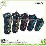 Конструкция OEM подгоняла носки йоги носок выскальзования носок Trampoline Non