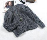 Il nuovo stile classico su ordinazione di disegno lavora a mano il pullover del cardigan del maglione