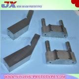 Подгонянные части металла подвергая механической обработке с высоким качеством
