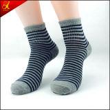 Mann-Tief-Schnitt-Socken für stattliche Jungen-Abnützung
