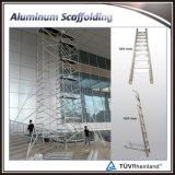 Andaime usado móvel de alumínio da construção com escada