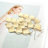 亜鉛合金の葉は長く女性の金の簡単な低下イヤリングのためのイヤリングをぶら下げる