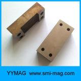 スポンジの鋳造物のアルニコの磁石