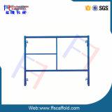 Gestell-Maurer gestaltet einzelnen Strichleiter-Rahmen