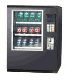 軽食、缶のための小型自動販売機は、飲む