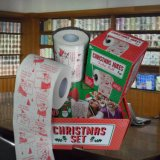 Les plaisanteries de Noël ont estampé le roulis personnalisé par papier de toilette de tissu de salle de bains