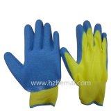 Gant de travail enduit par paume colorée de latex de gants de jardin