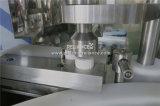 Grasas naturales de la piel esenciales que llenan tapando la máquina que capsula