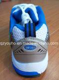 Ботинки голубого спорта людей женщин Confirmtable идущие