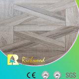 Le teck de texture de fibre de bois du film publicitaire 8.3mm a ciré le plancher stratifié bordé