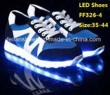 O diodo emissor de luz luminoso da luz do flash o mais atrasado dos homens calç as sapatas do esporte do lazer (FF326-4)