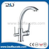 Faucet do misturador de fluxo do filtro de água do dissipador de cozinha de dois punhos tri