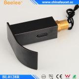 Aceitado Bronce Latón Sensor Infrarrojo Agua Mezclador Grifo automático para Lavabo (QH0128BR)