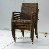 Tavola rotonda del rattan della mobilia sintetica esterna del giardino con la presidenza accatastabile Using l'hotel o il posto di svago (YTA362-1&YTD121)