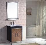 Étage restant des meubles de salle de bains de PVC avec le miroir