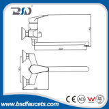 Латунная русская ванна Mixers с Long Swiveling Spout Brass Divertor