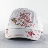 輝いた糸の女の子の子供の帽子が付いている蝶刺繍