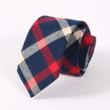 Cravate classique de coton de plaid