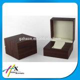 Caixa de relógios de madeira lustrosa elevada do caso de indicador do relógio