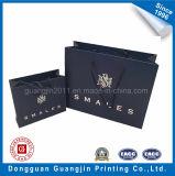 Einfache Art-Packpapier-Einkaufstasche mit silbernem Firmenzeichen