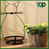 Bandeja Shaped e flor do gato que mantêm a cesta de vime