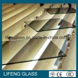 يقسم زجاج شمسيّ انعكاسيّة لأنّ [ويندووس] زخرفة