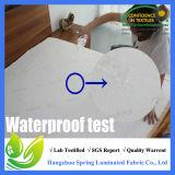 対のSaferestの優れた低刺激性の防水マットレスの保護装置-ビニールは放す