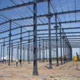 Taller ligero de la estructura de acero con la grúa de arriba