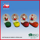 Polyresin Water Snow Globe Christmas Shoes e Papai Noel Decoration com diodo emissor de luz
