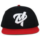 Chapéu liso vermelho por atacado do Snapback do painel do bordado 6 da borda