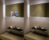 ミラーのデジタル魔法表記を持つプレーヤーを広告する壁の台紙の動きセンサー