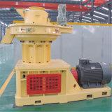 La boucle verticale meurent la boulette de biomasse font la machine
