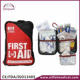 屋外の医学的な緊急事態のナイロンは救急箱を冒険する