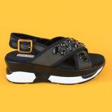 Sandalias negras de las mujeres del diamante de la venta al por mayor de la plataforma de China del único nuevo diseño grueso de cuero de la manera