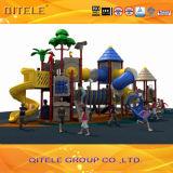 Campo de jogos ensolarado das crianças da série da cidade (SS-15301)