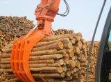 El registro del excavador ataca el gancho agarrador hidráulico de la madera de la serie