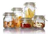 Choc en verre de verrerie dans la vaisselle de cuisine pour la nourriture de mémoire