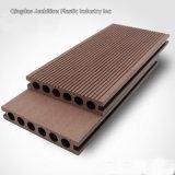 Pavimento composto de plástico de madeira composta