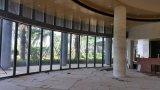 Аркуатная стеклянная стена для гостиницы
