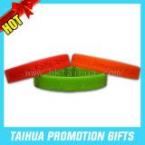 Braceletes de borracha feitos sob encomenda dos braceletes baratos (TH-band004)