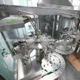 Máquina de engarrafamento de enchimento do líquido automático cheio para a água bebendo