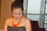 Collar llamativo con perlas brillantes y pendientes joyería fija
